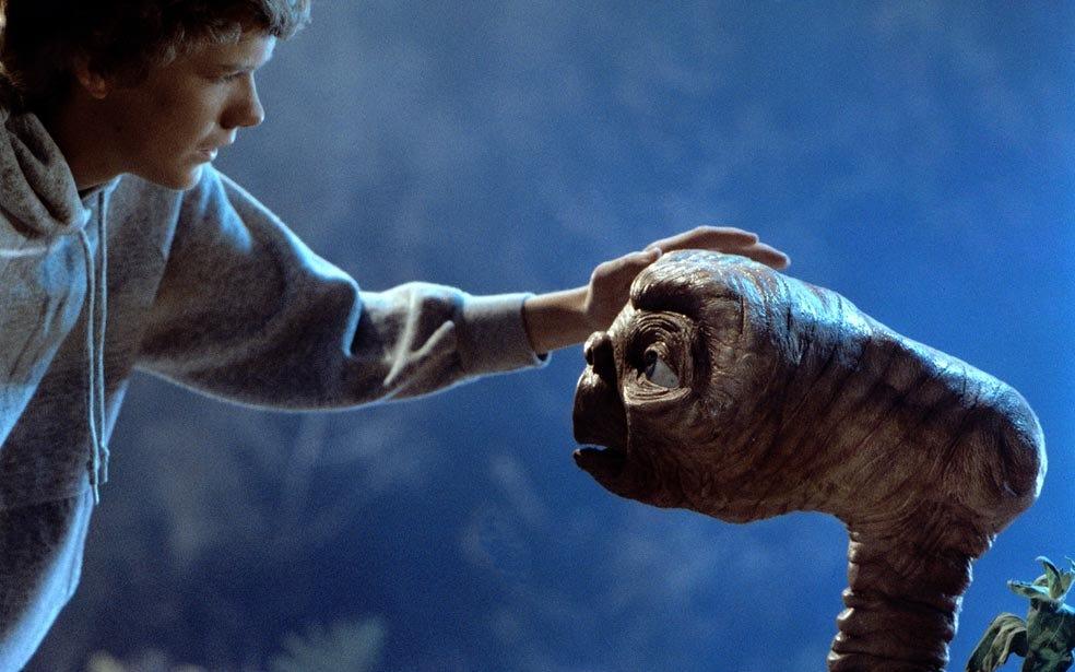 【ET】少年とETが出会う