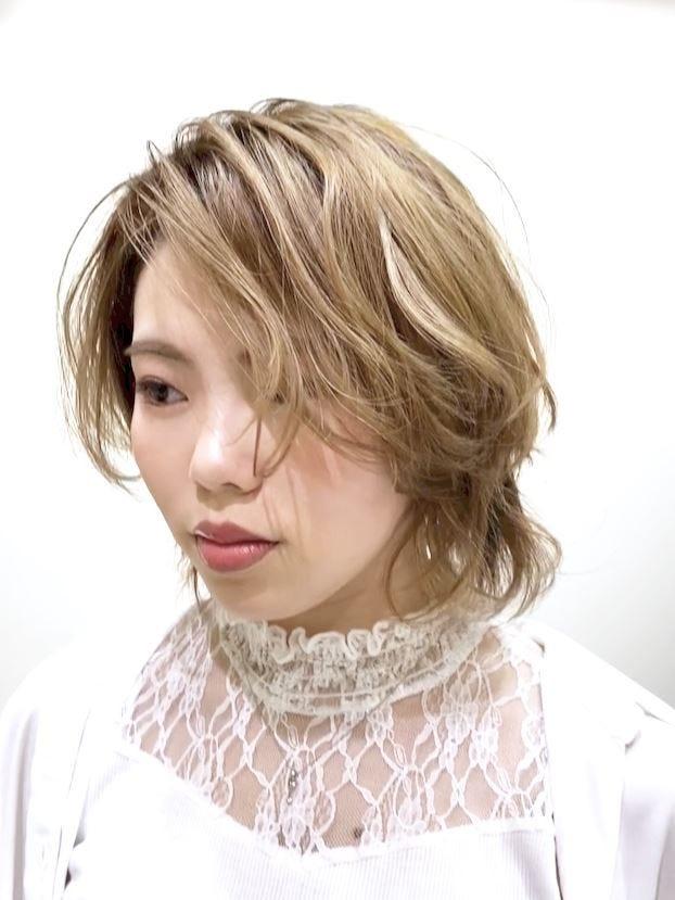 マッシュ 髪型 金髪 メンズ